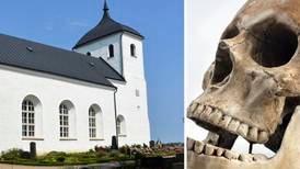 Kyrkans granne hittade kranier på sin tomt