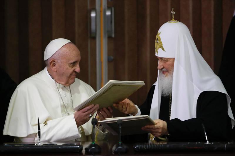 Påven och rysk-ortodoxa patriarken Kirill.