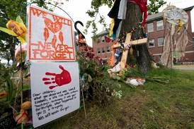 Fler omärkta gravar upptäckta vid katolsk skola