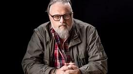 Peter Hallström: Jag är själv chockad att jag pluggar till diakon