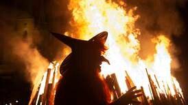 Präst vill se vitbok om häxbränningar