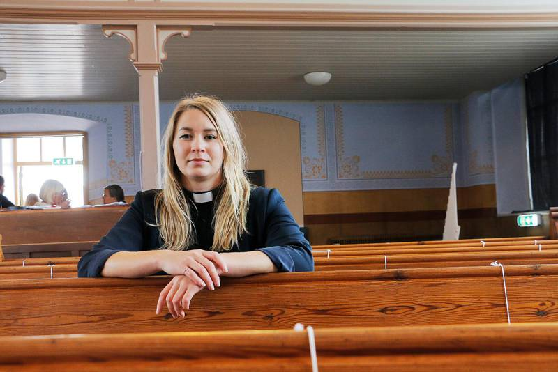 Profilerad. Generalsekreteraren i Sveriges ekumeniska kvinnoråd Esther Kazen har inget att invända mot polyamorösa förhållanden och hävdar att alla former av sexuella relationer som sker med samtycke ska bejakas. Hur väl stämmer det med hållningen hos kristna kvinnor i allmänhet och hos de samfund som står bakom SEK, undrar debattörerna.