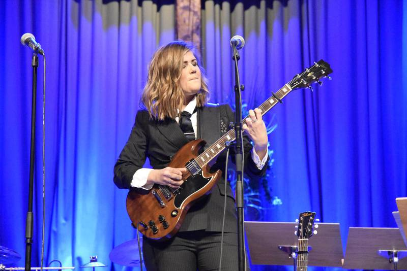 Tidigare stipendiaten Terese Fredenwall (2012) sjöng under årets prisutdelning av Utbultsstipendiet.