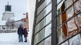 S-politiker till minstern: Fördömer du kyrkattacken?