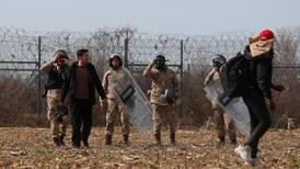 Tumultartade scener vid grekiska gränsen