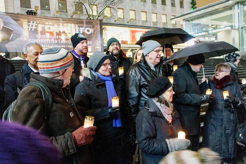 MANIFESTATION. Sveriges kristna råd höll nyligen en manifestation för konvertiternas situation.