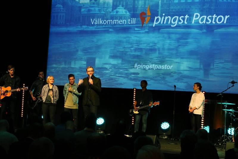 """""""Nu har något helt nytt växt fram som heter Pingst Pastor, som enbart är till för pastorer med medlemskap i organisationen med samma namn"""", skriver Bengt Öhlén."""