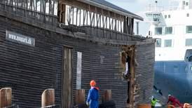 Kopia av Noas ark fast i Storbritannien