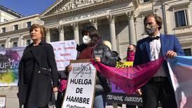 """Spansk """"translag"""" möter motstånd från feminister"""
