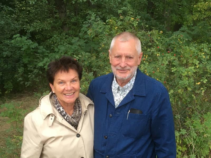 Irma och Göran Janzon får medalj av CAR:s president